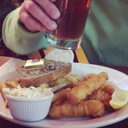 Mo's Irish Pub: Fish and Chips