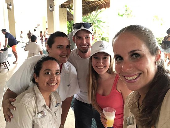 Sandos Caracol Eco Resort: Wedding Staff from last year. Greeted and treated like family. AMAZING!!!