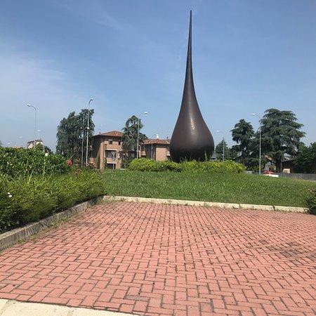 Goccia. L'Essenza  - Monumento dedicato all'Aceto Balsamico Tradizionale di Modena