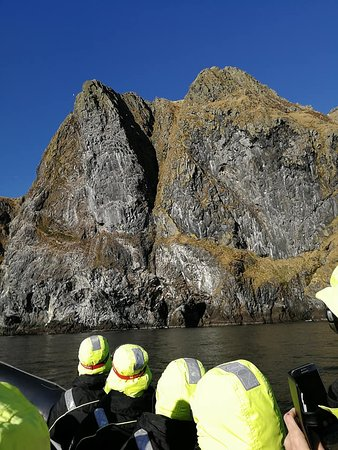 Runde fuglereservat: Part of the rocky bird island called Runde.