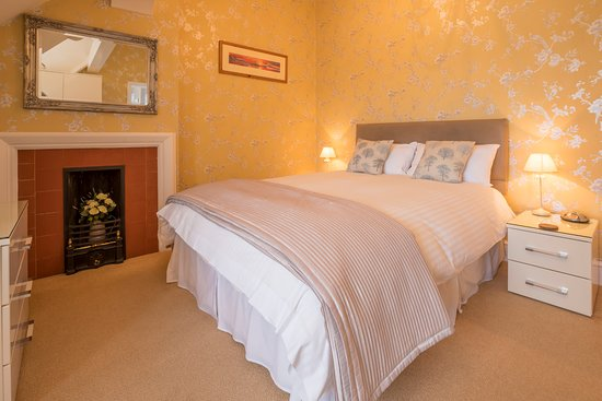 Forest Side Guesthouse: Classic King Room