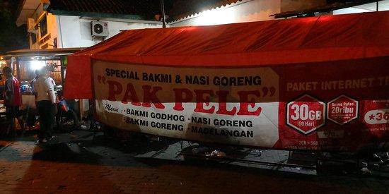 Bakmi Pak Pele: The Famous Pak Pele Food Stall