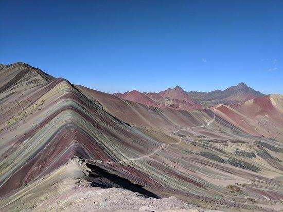 Viaggio di 2 giorni alla Montagna Arcobaleno da Cusco: 1st group to the top of Rainbow Mountain!