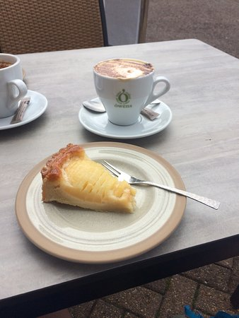 The Offshore Bar and Restaurant: Coffee and cake