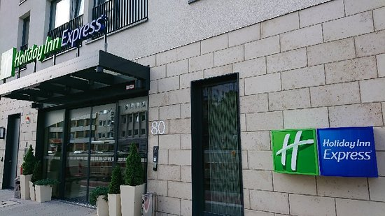 Holiday Inn Express Dusseldorf - City Photo