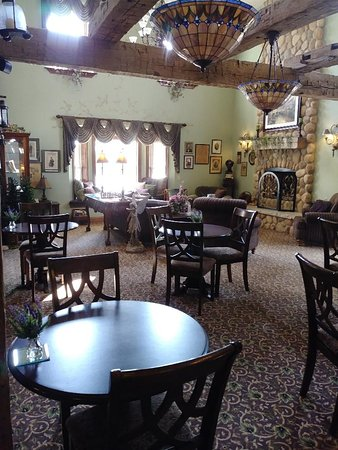 Cedarville, OH: Breakfast dinning area off the lobby, open for gaming as well
