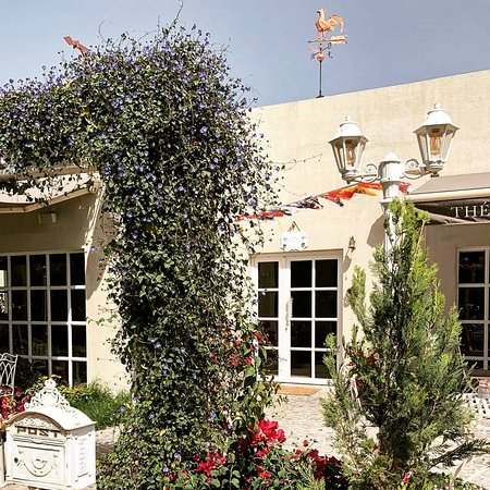 Cafe Chantilly: Café Chantilly, a little piece of France in the heart of Saar offering authenticity in it's ambi
