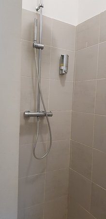 ONOMO Hotel Lome : Shower is powerful.