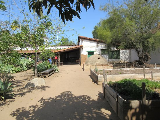 Old Town San Diego State Historic Park: Courtyards and gardens