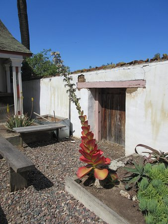 Old Town San Diego State Historic Park: Super cool courtyards at Historic Old Town