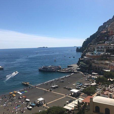 Hotel Buca di Bacco: Day time port view