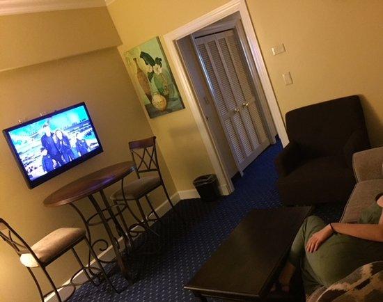 Asbury Inn & Suites Photo