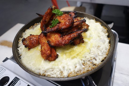 Burwood, Αυστραλία: New Orleans wings cooked
