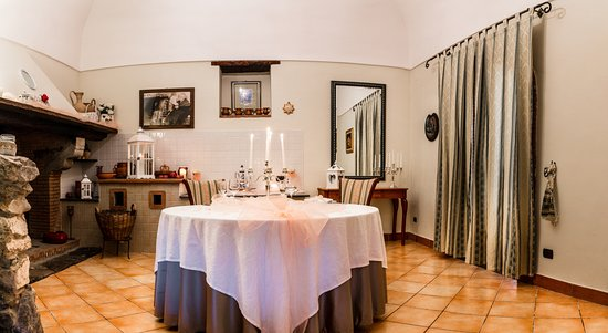 Tenuta Sciacca: Saletta Exclusive