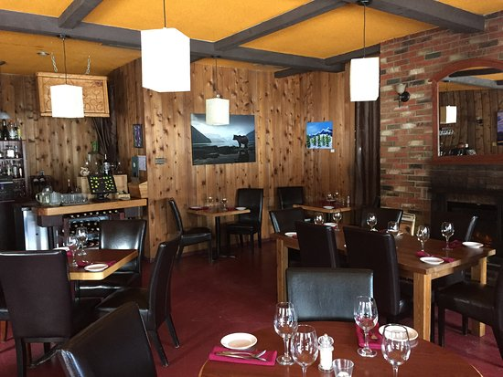 Woolsey Creek Bistro: The lounge