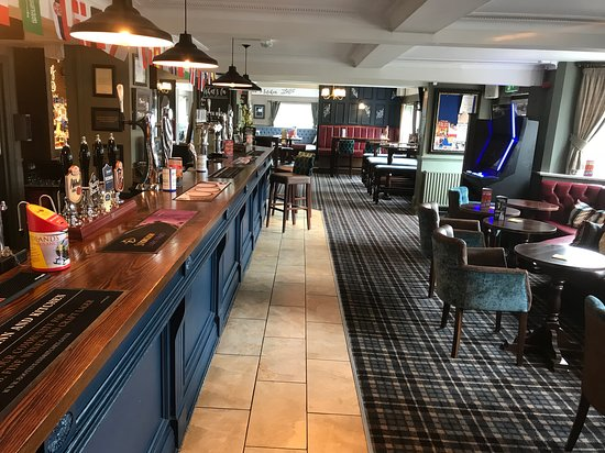 The Boot Inn and Kitchen: Opposite View of Bar Area