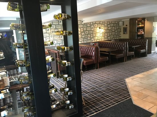 The Boot Inn and Kitchen: Bar Area