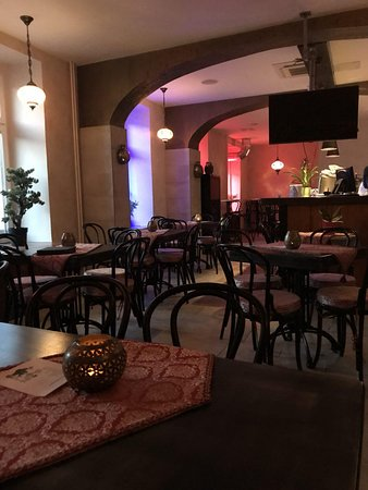 Mamounia Shishabar: Great atmosphere and very friendly and warm environment