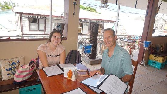 Iguana Juan's Restaurant and Bar: Sister & daddio