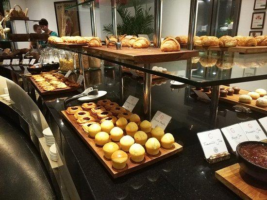 Kwee Zeen: Area Pastry