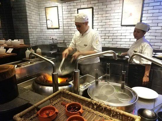 Kwee Zeen: Live Cooking
