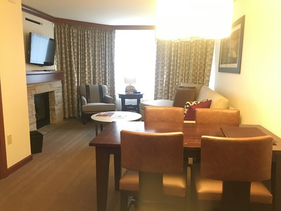 Resort at Squaw Creek: Fireplace suite - living room & dining room
