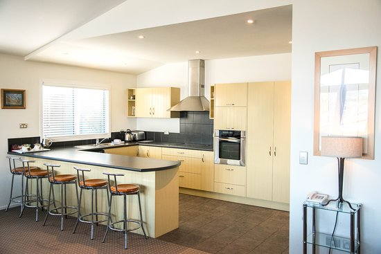 Queenstown House Boutique Bed & Breakfast & Apartments: 2 Bedroom Apartment Kitchen