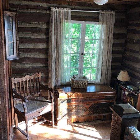 The Pines Country Inn: photo1.jpg