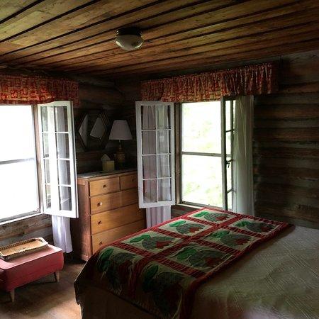 The Pines Country Inn: photo4.jpg