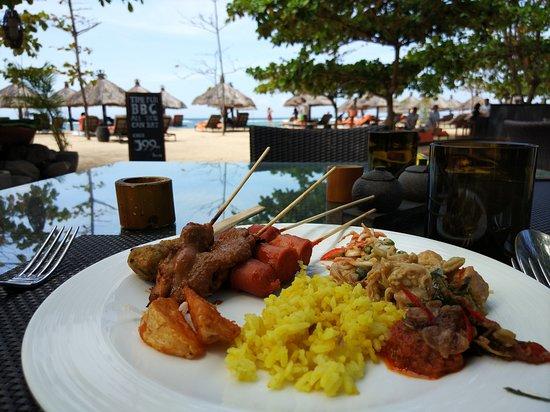 Toya Beach Bar Grill: Lunch
