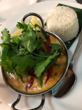 Harvest Restaurant : red duck curry