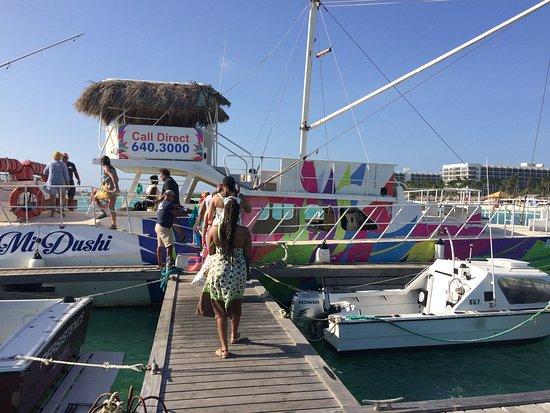 Aruba Sunset Cocktail Cruise: All Aboard the Mi Dushi!