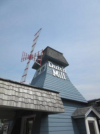 Dutch Mill Family Restaurant: Eye-catching restaurant