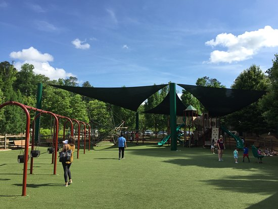 Morgan Falls Overlook Park: Paradise for kids
