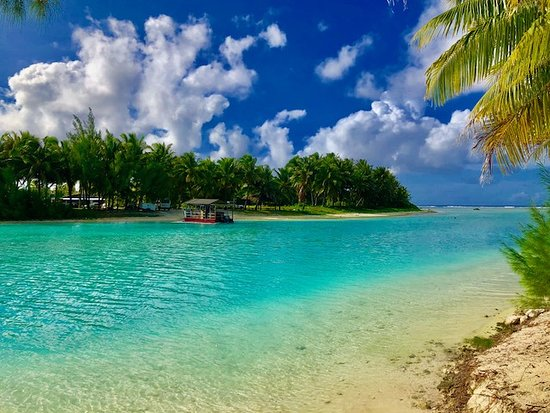 Aitutaki Lagoon Private Island Resort: The ferry to your prvate island resort heaven
