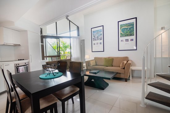 Ocean Breeze Resort : 2 Bedroom Superior Loft Apartment