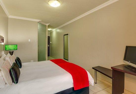 Protea hotel by marriott empangeni bewertungen fotos for Media room guest bedroom