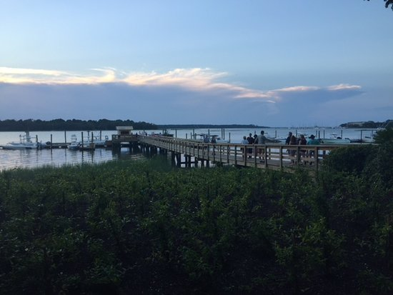 The Skull Creek Boathouse : The view from our table