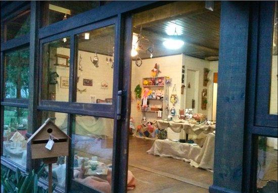 Jardim das Artes: Lindo espaço com exposição e venda de artesanato. Vale muito a pena conhecer!