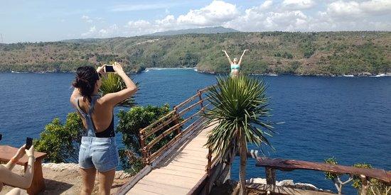 Supi Tour Nusa Penida : Ceningan Isand ( 082236176260 )