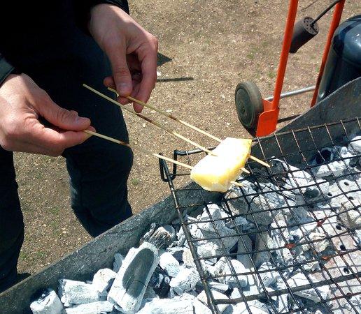 Macelleria Giuliani : cacio locale grigliato, una leccornia.