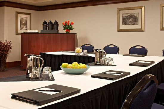 Delta Hotels by Marriott Banff Royal Canadian Lodge: Meeting room