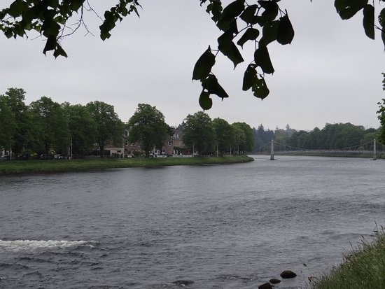Castle View Guesthouse: River Ness