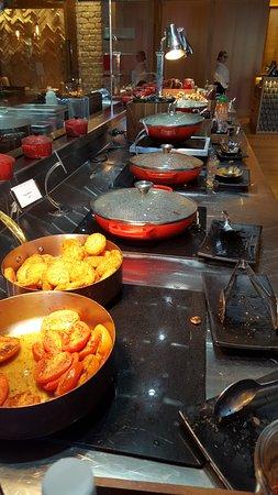 Sofitel Sydney Darling Harbour: Part of the Breakfast Bufffet
