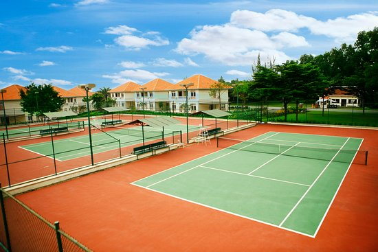 Lakeview Villas, Vietnam Golf & Country Club: tennis courts