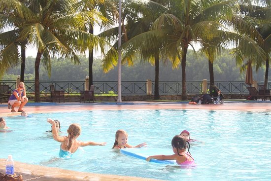 Lakeview Villas, Vietnam Golf & Country Club: pool for kids