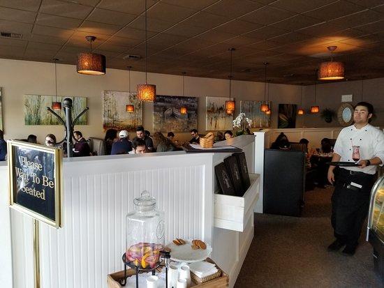 The Rusty Pelican Cafe: Interior