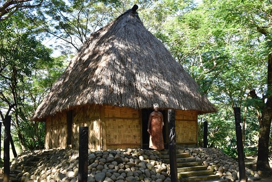 Fiji Culture Village: The Village Chief and his dwelling.