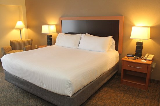 Holiday Inn Express Charlotte - Concord / I-85: Guest room