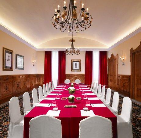 The St. Regis Florence: Meeting room